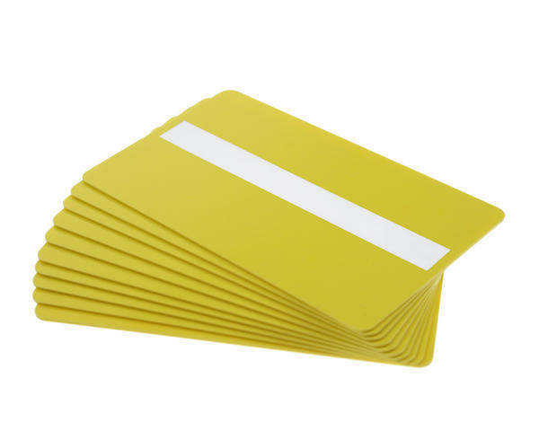 Pack of 100 Yellow Premium 760 Micron Cards with Sig Panel